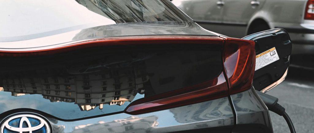 Ładowanie aut elektrycznych - za wolne?